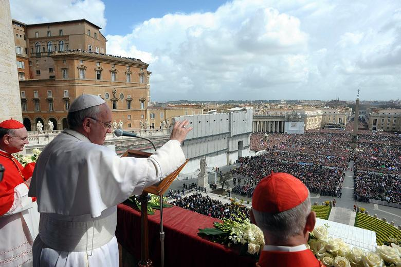 Pope Francis delivering the traditional Urbi et Orbi Easter message on 1st April 2013