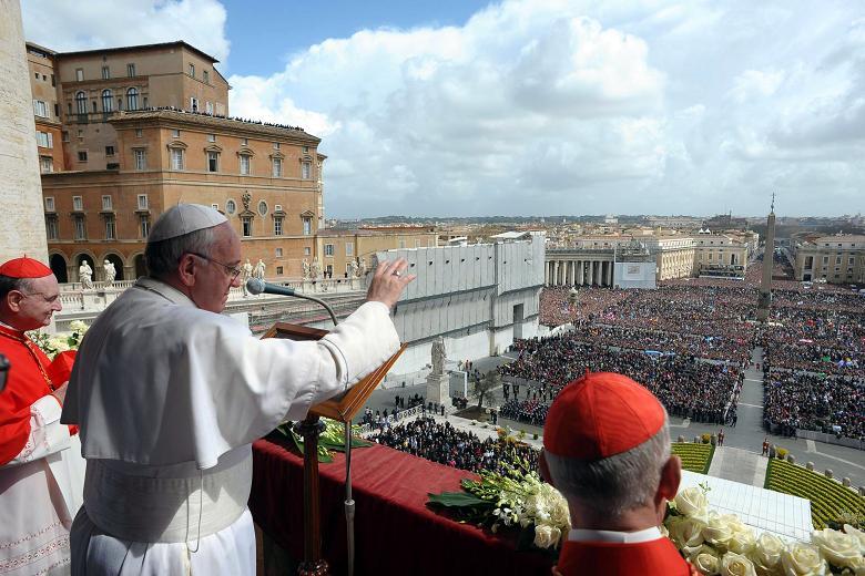 Pope Francis delivering the traditional Urbi et Orbi Easter message on 1st April 2013