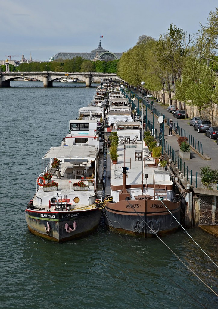 'péniches' in Paris